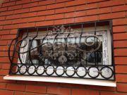 Кованая решётка для окна 30